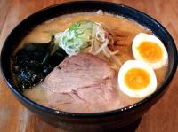 札幌味噌味玉入り(味八)